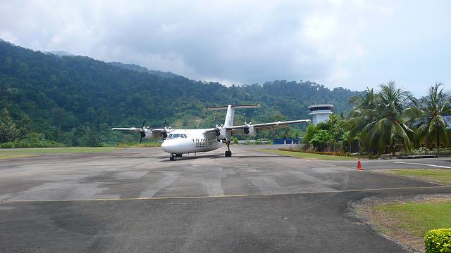 tioman-airplane
